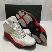 Sepatu Basket Nike Air Jordan 13 White Black Berkualitas Tinggi