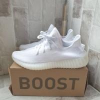 Sepatu Sneakers Adidas Yeezy Boost 350 Triple White