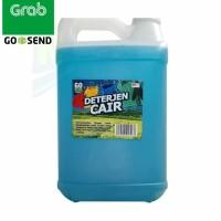 Detergen cair mengandung bahan pencerah warna