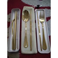 Cutlery Set Travel Sendok Garpu Sumpit Sedotan Warna with BOX and BAG - EMAS
