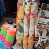 karpet karakter bahan plastik