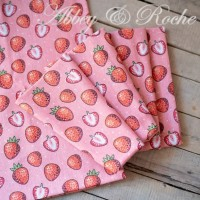 Kain Kanvas Impor motif Fresh Strawberry