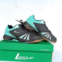 Sepatu league raid badminton