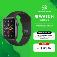 Apple Watch Series 5 40mm Aluminium Space Grey with Black Sport Band