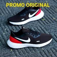 sepatu nike revolution 5 black white red
