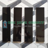 Plint 10x40 Keramik Warna Hitam