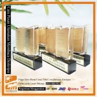 Plakat Resin / Fiber / Coran Tebal 2cm Dalaman Kuningan Termasuk Box