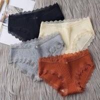 Celana Dalam Wanita Motif Renda/Celana Dalam Wanita Import