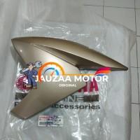 Cover sayap tangki New Vixion NVL Gold kanan ORI Yamaha