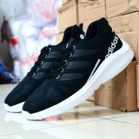 sepatu adidas sneaker hitam putih running
