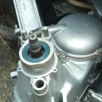 seal sil luar roda belakang vespa excel exclusive 2