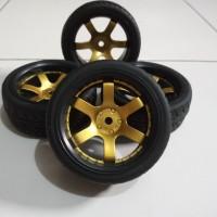 R011 RC On Road tires, ban RC velg 1:10 black gold