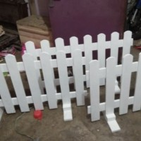 pagar pager pembatas ruangan taman anak kayu jati belanda warna putih