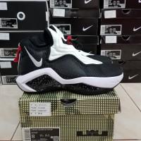 Sepatu Basket Nike Lebron Soldier 14 White Black