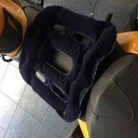 Daiso Japan Air Cushion Bantal Alas Duduk Kursi Jok Angin Mobil Motor