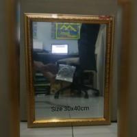 Cermin Bingkai Ukir Gold.30x40cm