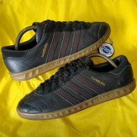 Sepatu adidas HAMBURG hitam strip abu -size 44 used