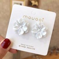White Flower Earrings - Aksesoris Anting Wanita Bentuk Bunga Putih