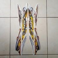 stiker striping motor mio sporty 2010 putih
