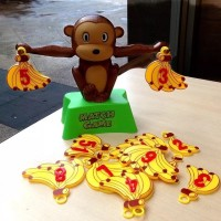 Mainan edukasi anak belajar keseimbangan banana balance game