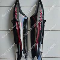 Body Kanan Kiri Mio Sporty Hitam + Striping - Putih