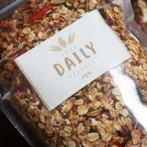 Logo Your Daily Granola