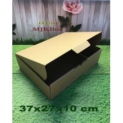 Kardus karton uk. 37x27x10 cm...die cut box kotak Souvenir -dll