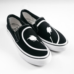DREAMBIRDS // CLASSIC LOGO SLIP-ON SHOES
