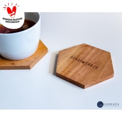 Engraved Natural Hexagon Coaster / Alas/Tatakan Gelas/Cangkir