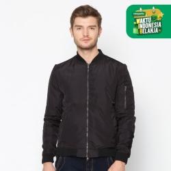 EMBA CLASSIC-Bertucio Jacket Warna Hitam