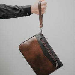 Bradford Brown Black - Tas clutch bag from The Daily Smith