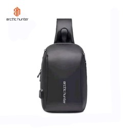 ARCTIC HUNTER XB00081 Crossbody Bag USB - Tas Selempang BLACK