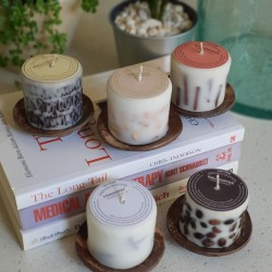 Lilin aroma Frangipani dengan tatakan batok kelapa / LLFRBK
