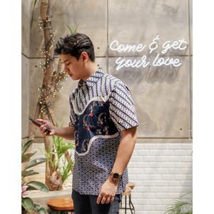 Kemeja Batik Pria   Lengan Pendek   Regular Fit   Nishikigoi