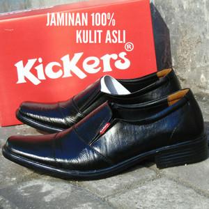 Sepatu Pria Pantofel Kickers Kulit Sapi Asli Hitam Formal Kerja