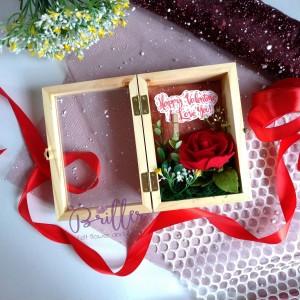 Katalog Flower Box Bunga Flanel Kado Ultah Graduation Anniversary Valentine Katalog.or.id