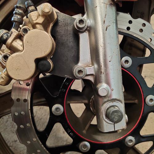 Foto Produk Jual Breket breaket adaptor cakram kaliper Ninja R pakai velk Ninja RR dari Distributor Kolor Kut