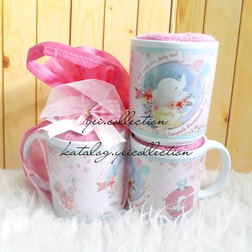 Foto Produk Souvenir Handuk. Hampers One Month. Souvenir Mug. dari yei.collection