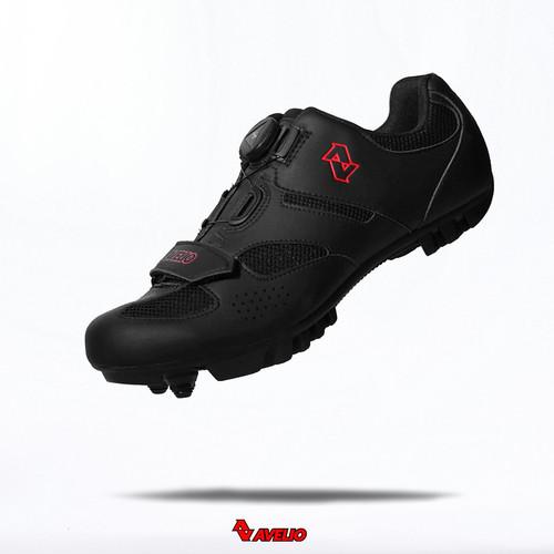 Foto Produk AVELIO Cleat MTB Shoes Black - Sepatu Cleat Sepeda MTB merk AVELIO - Size 44 dari Kaligung
