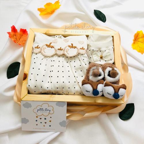 Foto Produk Selected Hampers Bayi - Petite Story - Honey (C) - Baby Girl (0-6m) dari Petite Story