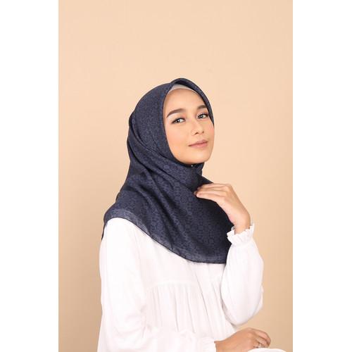 Foto Produk Hijab Wanita Plain Scarf Voal Diario x Nagita Slavina - Patriot Blue dari diario