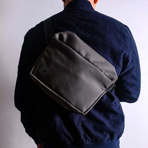 Foto Produk Tas Selempang - Sling Bag KAMA I (M) Medium WAKU - Abu-abu dari WAKU Indonesia
