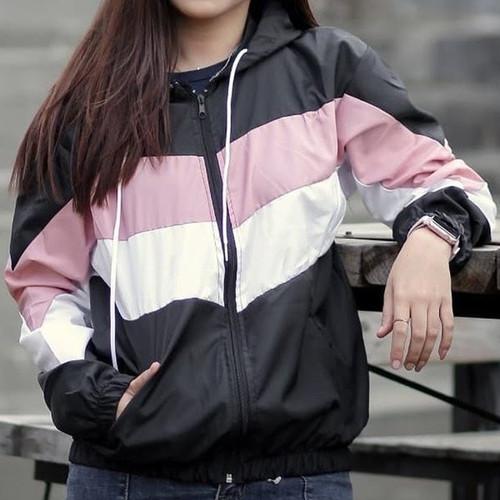 Foto Produk Jaket Parasut Wanita Cewek Perempuan Tricolor Tiga Warna - Hitam, M dari SheOLSTORE