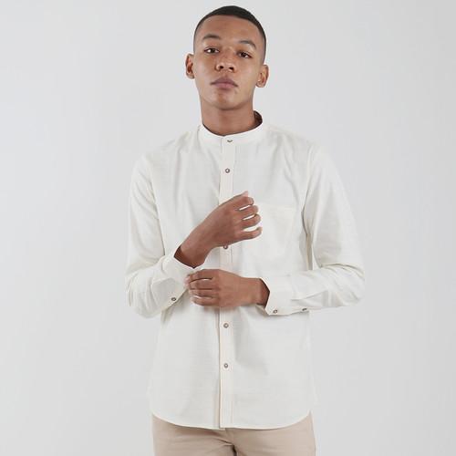 Foto Produk Edwin Jeans Linen Style Long Shirt Barry Cream - Cokelat, S dari Edwin Jeans