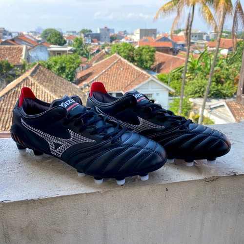 Foto Produk Sepatu Bola Mizuno Morelia Neo 3 Black Red FG dari indosportshoes