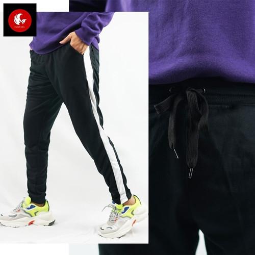 Foto Produk VARO Okechuku Celana Jogger Unisex Training Side List Olahraga - Hitam Putih, S dari Okechuku