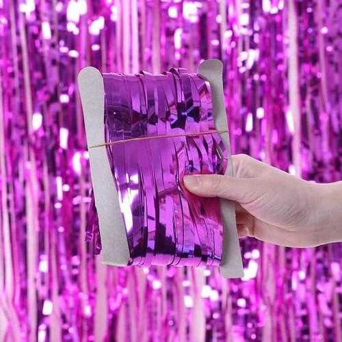 Foto Produk Tirai Rumbai Foil 2 Meter / Curtain Slinger Foil / Backdrop Foil - Hot Pink dari Grosir Kitchenware