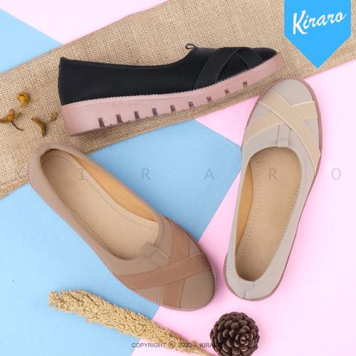 Foto Produk Sepatu Wanita Sneakersl Santai Anti Selip dan Anti Licin YOSSI HD02 - Hitam, 38 dari Kiraro
