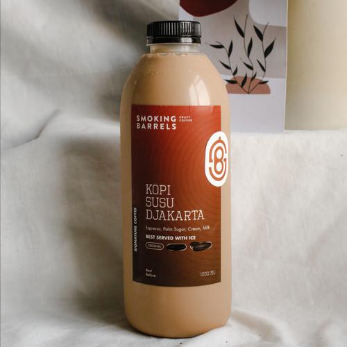 Foto Produk Kopi Susu Djakarta (Signature Coffee) - Es Kopi Susu 1 liter - Less Sugar dari Smoking Barrels Coffee