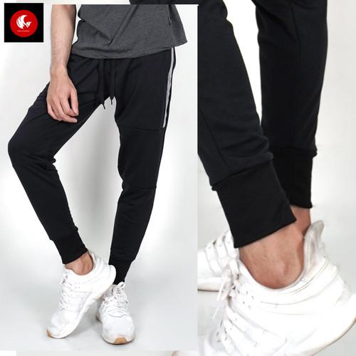 Foto Produk Okechuku Skinny Training Jogger Pants Unisex Basic & Trendy - Hitam, M fit to L dari Okechuku